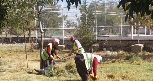 Ereğli'de okul bahçe ve çevreleri temizlendi