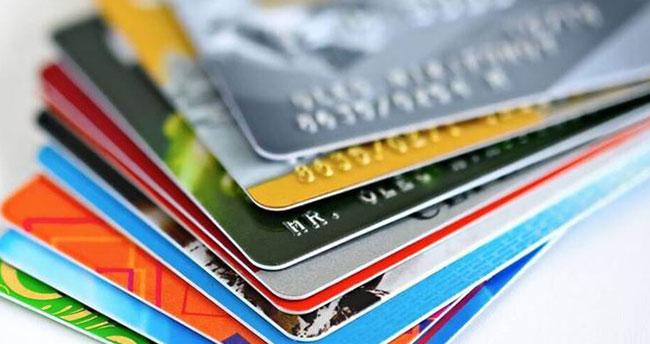Kredi kartı faizleri yükseltildi