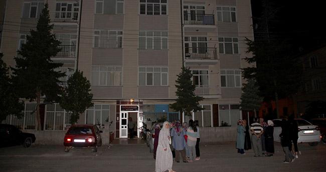 Konya'da 2 bina çökme tehlikesine karşı boşaltıldı