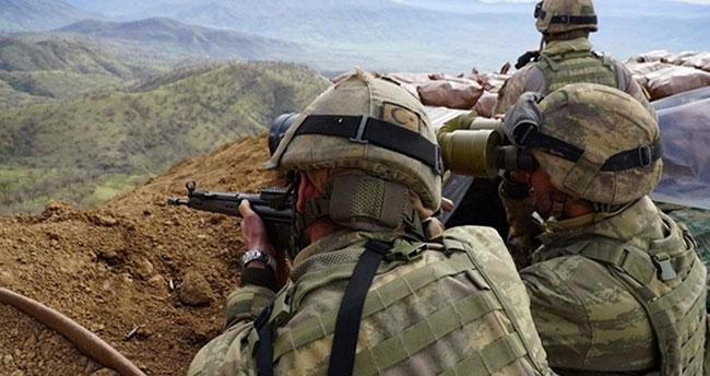 Afrin'de 2 askerimizi şehit eden 2 YPG/PKK'lı daha Suriye'den getirildi