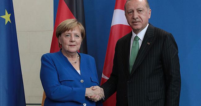Cumhurbaşkanı Erdoğan: 'Can Dündar, ajandır'