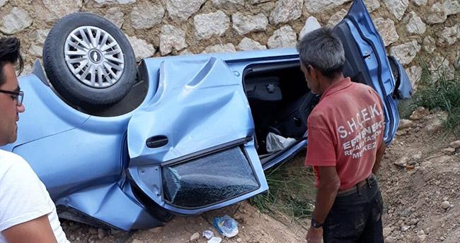 Karaman'da otomobil devrildi: 3 ölü