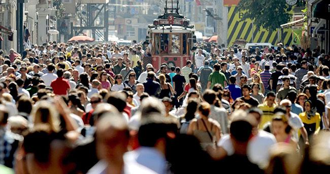 'Demografik verilere göre Türkiye hızla yaşlanıyor'