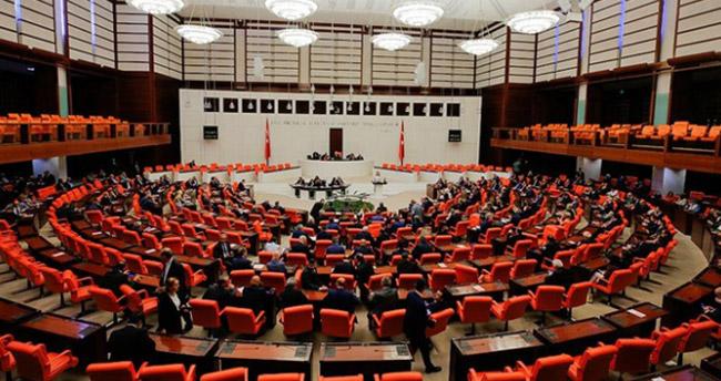 'Anayasa değişikliği uyum paketi' TBMM Başkanlığına sunuldu
