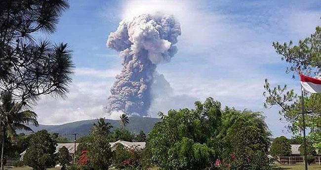Deprem ve tsunaminin ardından yanardağ patlaması
