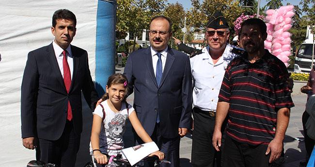 Konya'da hatalı ebeveynlerini uyaran çocuklara bisiklet