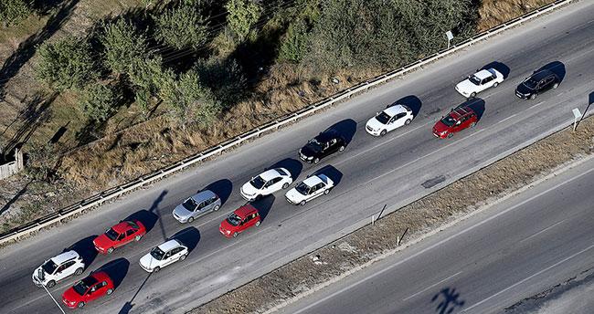 Polisin havadan trafik denetimleri sürüyor