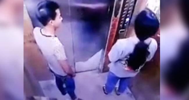 Asansörde dehşet! Adamın taciz anları kameraya yansıdı