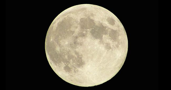 Çin, uzaya 'yapay Ay' gönderiyor! Ay'dan 8 kat daha parlak