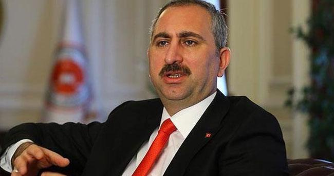 Adalet Bakanı Gül'den, Danıştay'a öğrenci andı tepkisi