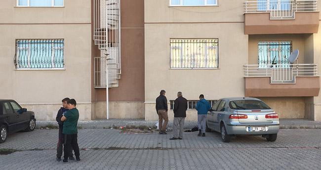 Konya'da beş katlı binanın çatısından düşen çocuk öldü