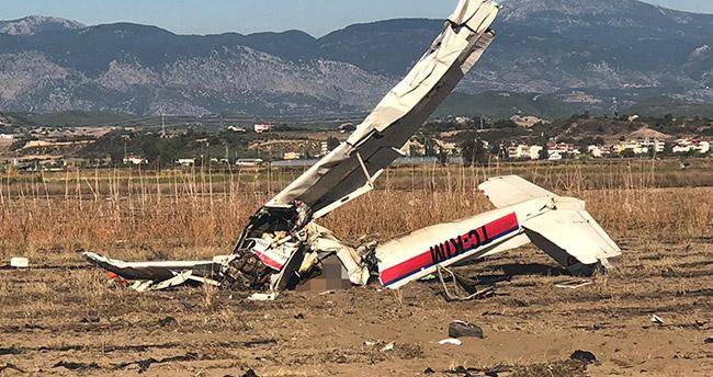 Antalya'da eğitim uçağı düştü, pilot ve yardımcısı hayatını kaybetti