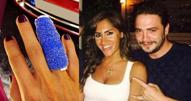Ahmet Kural gülerek parmağımı kırdı