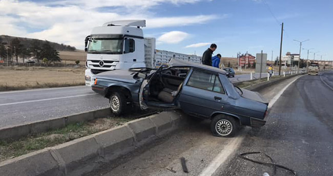 Ilgın'da otomobil yoldan çıktı: 2 yaralı