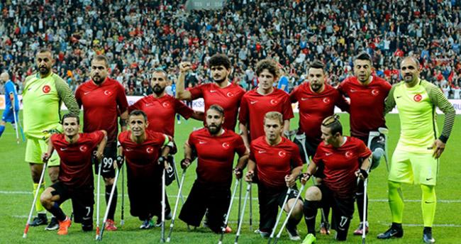 Türkiye Ampute Futbol Milli Takımı dünya ikincisi