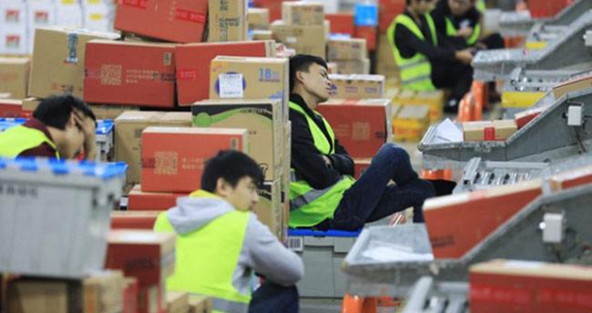 Çin'de internet üzerinden alışveriş rekoru kırıldı