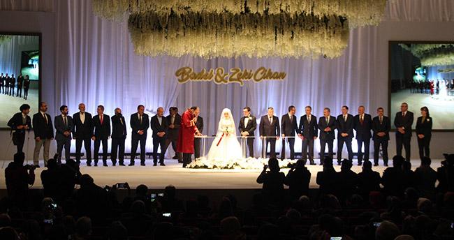 Spor ve siyaset camiası Baykan'ın oğlunun düğününde buluştu