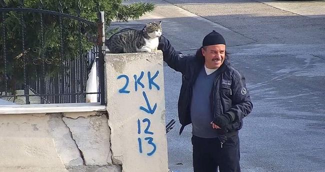 Konyalı vatandaşın kediyle muhabbeti
