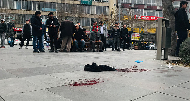 Konya'da testereli bıçaklı kavga : 2 yaralı
