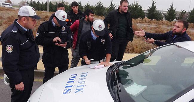 Egzozu yüksek ses çıkaran plakasız aracın sürücüsüne 2 bin 808 lira ceza