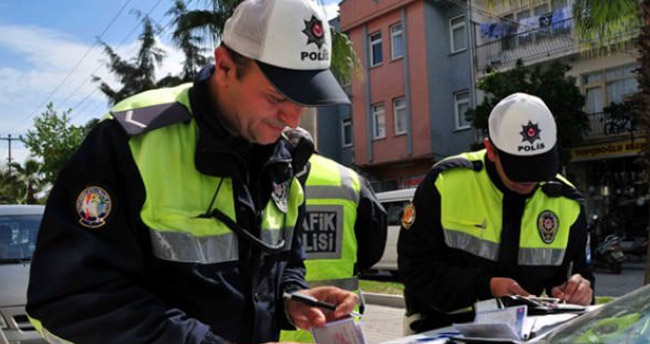 Alkollü sürücüyü polis affetmedi! 10 bin 311 lira ceza kesildi