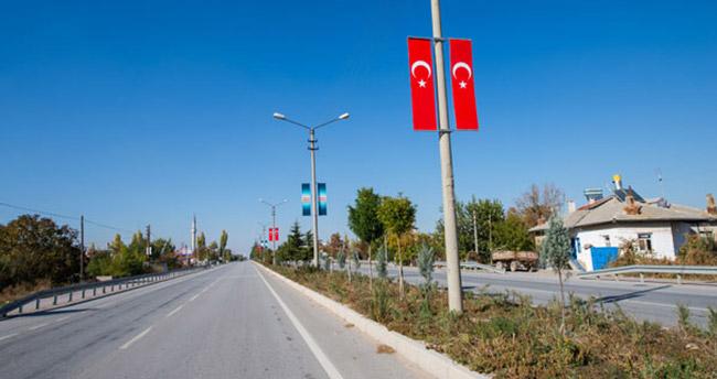 Çumra Türk bayraklarıyla donatıldı