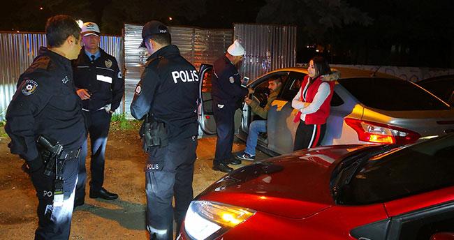 Aracını polisin üzerine süren sürücüye 5 bin TL para cezası kesildi