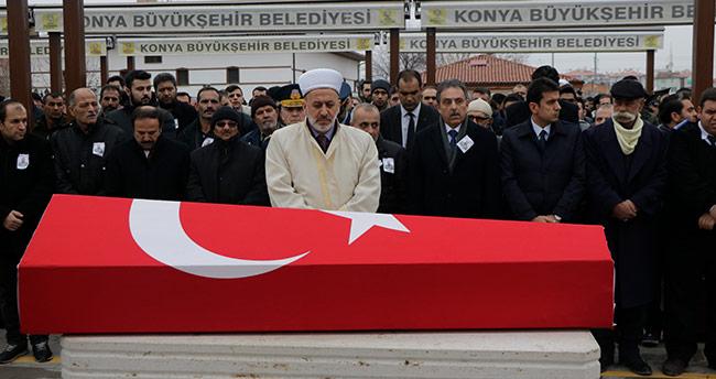Kalp krizi geçiren er memleketi Konya'da toprağa verildi
