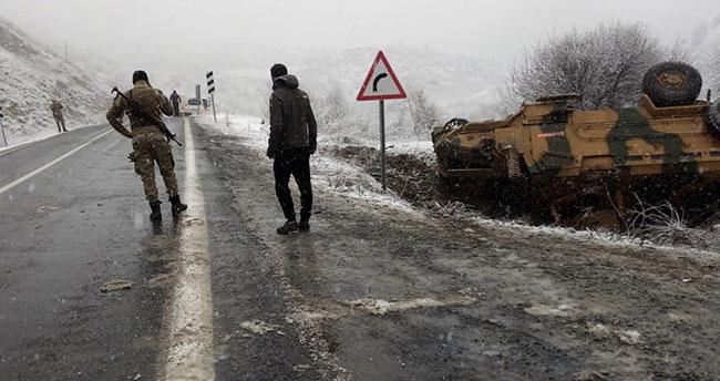Askeri araç devrildi: 2 asker yaralı