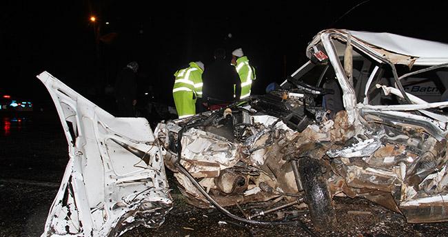 Konya'da cip ile otomobil çarpıştı: 1 ölü, 2 yaralı