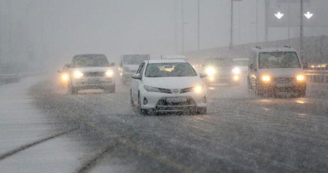 Karlı havada trafiğe çıkacak sürücüler dikkat!