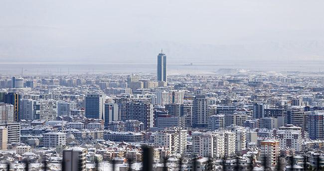 Konya'da kar yerini ayaza bıraktı sıcaklık -10 dereceyi gördü