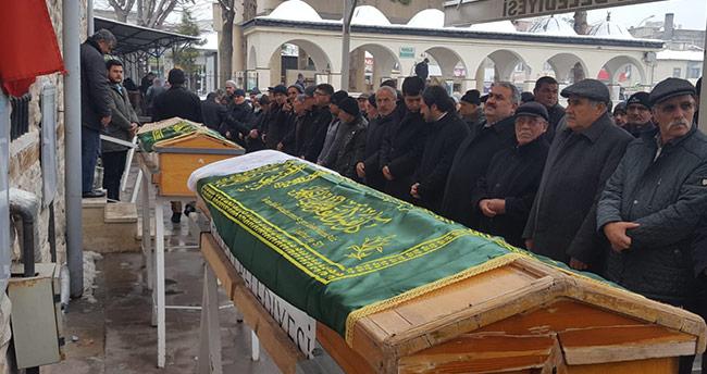 Konya'da sobadan zehirlenen karı-koca defnedildi