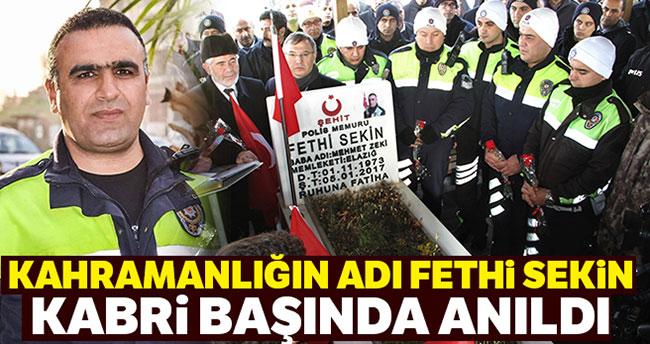 Şehit Fethi Sekin için kabri başında anma töreni