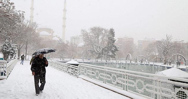 Konya tarihinin en soğuk gününü yaşadı