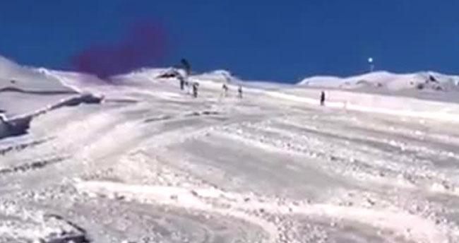 Hakkari'de komandoların kayaklı atış eğitimi