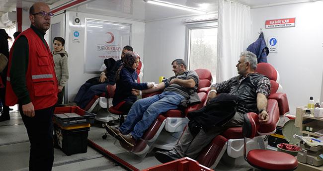 """Kızılay'ın """"acil kan bağışı"""" çağrısına destek"""