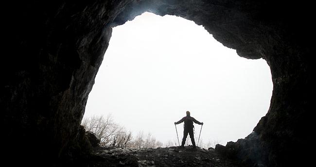 Konya'da dağcılar Ferzine Mağarası'na tırmandı