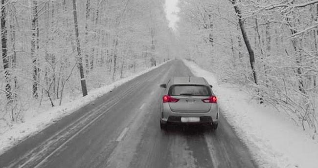 """""""Buzlu ve karlı yollarda ABS fren sistemine güvenip hız yapmayın"""""""