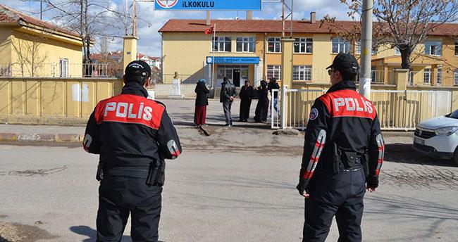 Okul çevrelerine güvenlik operasyonunda 709 kişi yakalandı