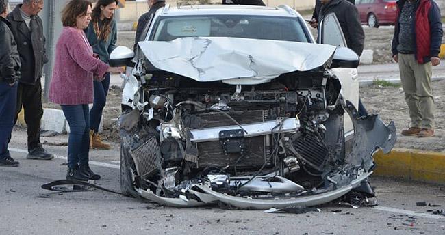 Ereğli'de iki otomobil çarpıştı: 5 yaralı