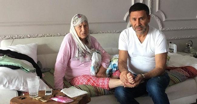 İzzet Yıldızhan yoğun bakımdaki annesi için dua istedi