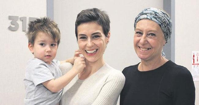 Anne-kız kanseri birlikte yendi