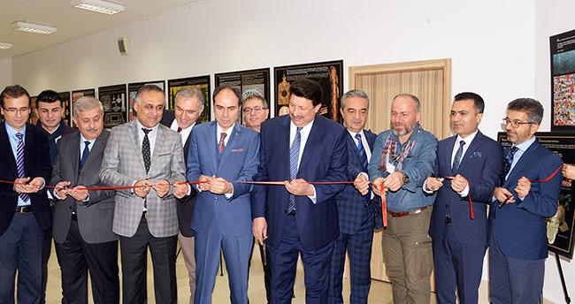 Selçuk'ta 'Osmanlı Dönemi İstanbul'unda Bahçe ve Çiçek' Sergisi Açıldı