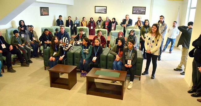 Konyalı öğrenciler, güreş şampiyonası'nı izleme imkanı buldu