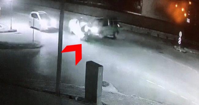 Konya'da feci kaza… İki araç kafa kafaya çarpıştı