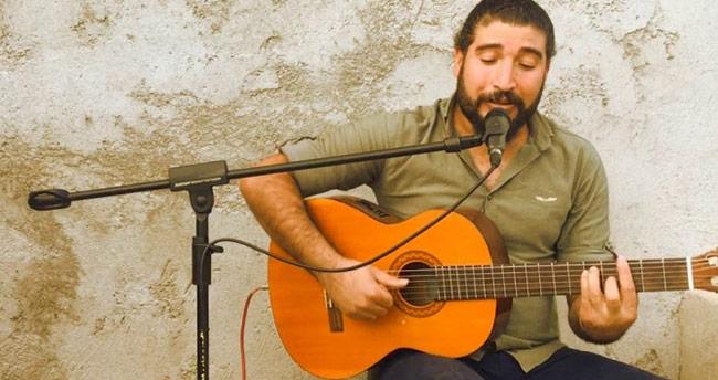 Şarkıcı Ferat Üngür'e PKK propagandasından gözaltı