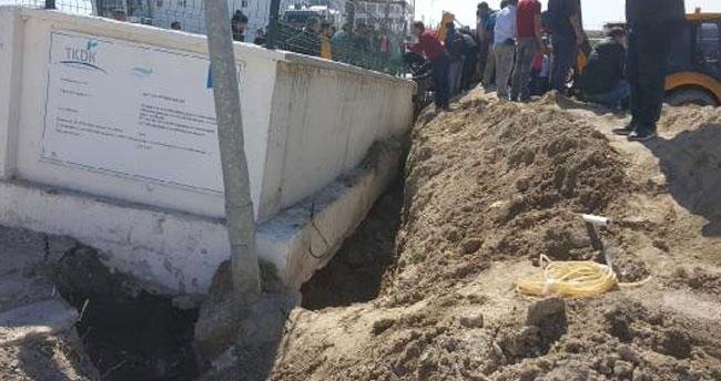 Karapınar'da istinat duvarı çöktü! Göçük altında kalanlar…