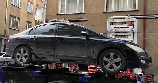 Konya'da motora giren kedi, yakalanması bulunan otomobili ele verdi