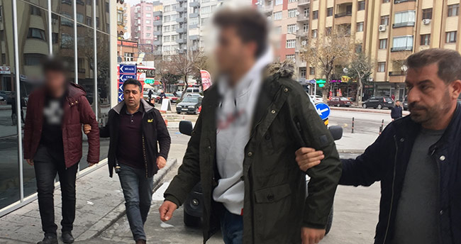 Konya'da başörtülülere hakeret eden gencin babası FETÖ'cü çıktı